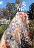 Windham Fabrics Manor House Upstairs taupe blaadje_